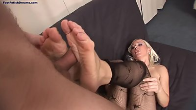 Bibi Fox Footjob 2