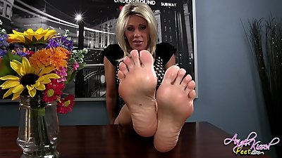 Nikki Foot Worship POV