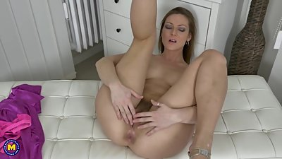 British MILF with hairy pussy ready..