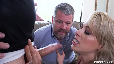 Zoey Monroe Tries Couples Therapy But..