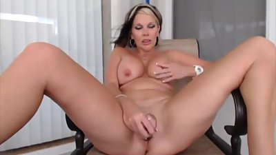 Adorable housewife masturbates pussy..