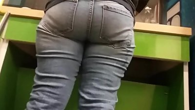 MATURE MEXICAN ASS