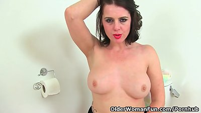 English milf Karina masturbates..