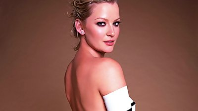 THE BEAUTIFUL GRETCHEN MOL