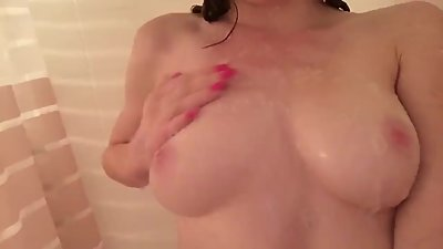 Abigale Mandler Shower Video - Yotuber..