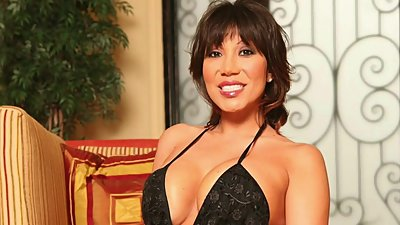 THE BEAUTIFUL AVA DEVINE