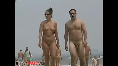 An excellent spy cam nude beach voyeur..