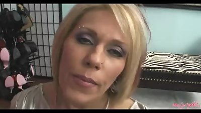 Nikki Ashton smoking facial 20