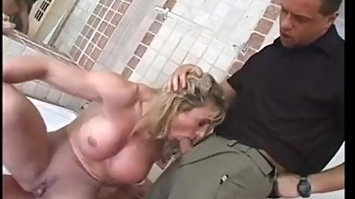 Muscled Milf gets analyzed