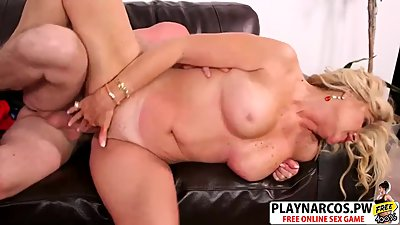 Sexy Step Mom Lauren Taylor Ride cock..