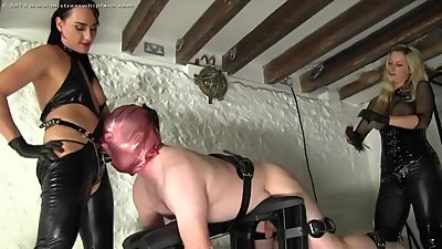 Nikki Whiplash and friend fuck up a..
