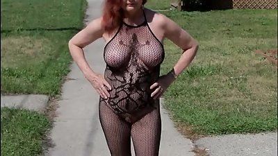Sexy Outfits Slideshow (Redhot Redhead..