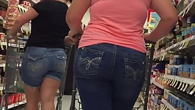 Thick PAWGS Shopping
