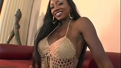 Super hot milf Diamond Jackson 2