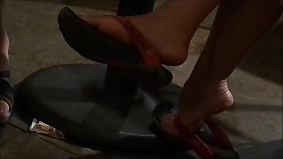 two milfs feet at cafe