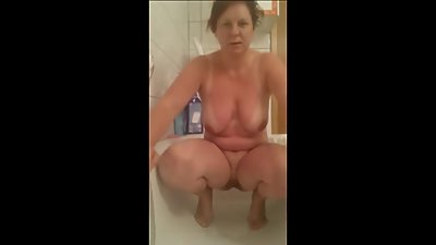 Chubby Bitch Piss Play