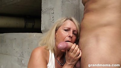 Hot blonde old cougar gets lucky with..