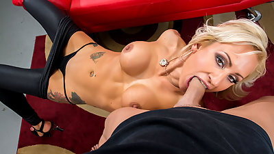 FirstClassPOV - Enjoy MILF Zoey..