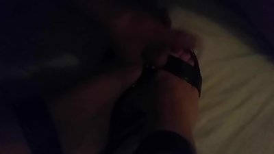 Cumming on wife's feet
