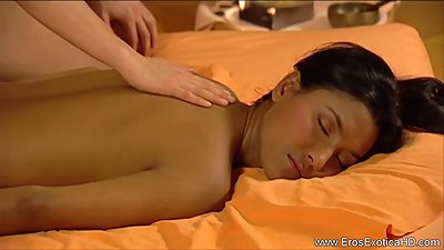Females Massage Is So Erotic