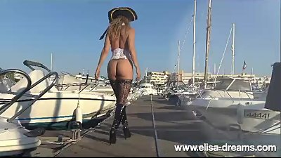Sexy Pirate Elisa showing her buttplut..