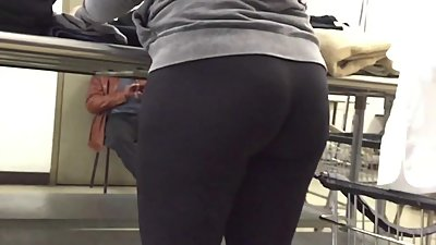 Spandex PAWG Juicy Ass