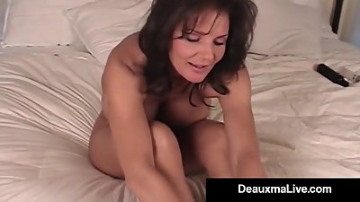 Mature Milf Deauxma Shows Off Toes..