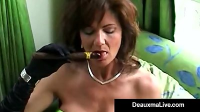 Smoking Hot Cougar Deauxma Bangs Her..