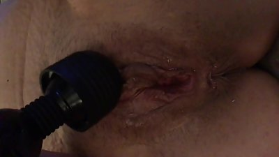 Big lips wife masturbates