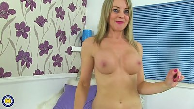 Mature super sexy mom with amazing body