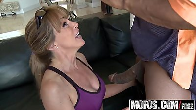 Mofos - Milfs Like It Black - Shayla..