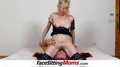 Hairy amateur MILF Maya facesitting