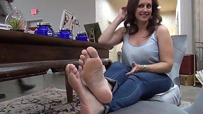 Hot milf foot