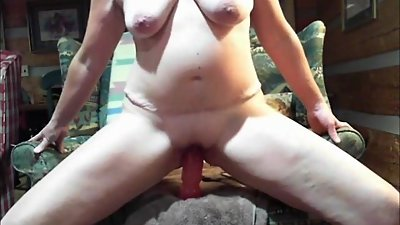 Emery and her big dildo makes her squirt