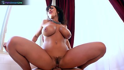 Lisa Ann loves sitting into Toni Ribas..
