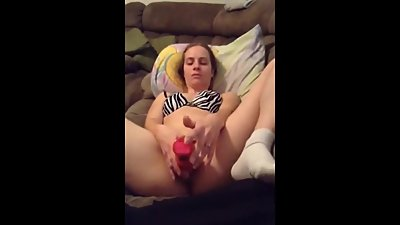 31 yo cumslut amy using her toy on her..