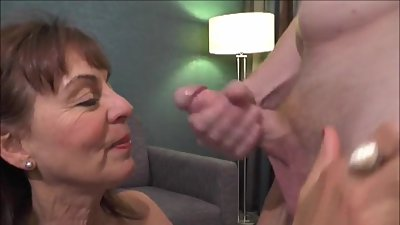 British Milf Georgie Blowjob and Facial