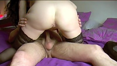 SUPERB MILF OFFERED TO FUCK BY HER MARI