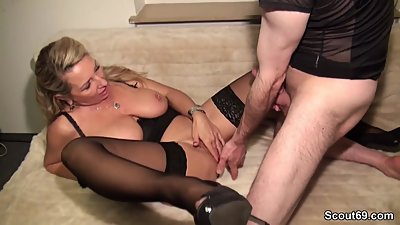 German Amateur MILF Seduce to Fuck..