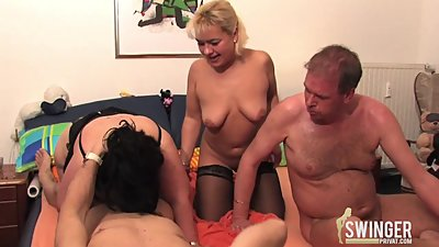 Groupsex with blonde milf and a very..