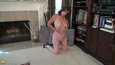 Real American mature mother Bunny with..