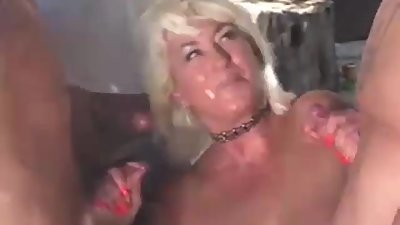 Gilf loves cock (Fast motion)